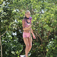 Trish competing in the Immunity Challenge.