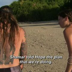 Julia telling Matt how Shamar told Hope the plan.