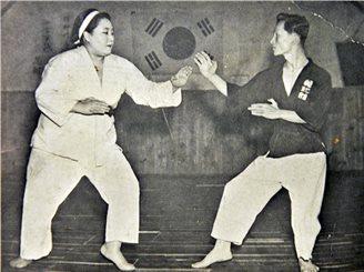 Kyo Yoon Lee