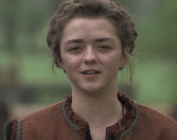 File:Maisie Williams behind the scenes.jpg