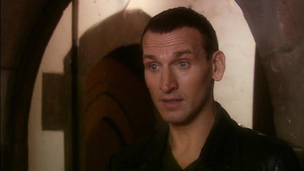 File:Ninth Doctor speaks to Stuart and Sarah.jpg