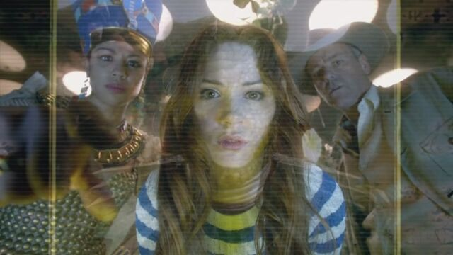 File:Amy and co computer screen.jpg