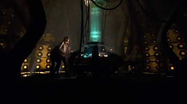 File:Amy and Rory Discover the Old Console Room.jpg