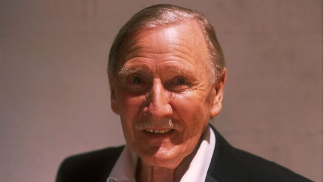 File:Leslie Phillips.jpg