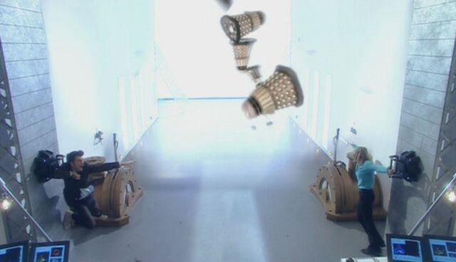 File:Void vacuum.jpg
