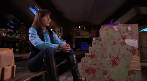 File:Sarah Jane updating Alien Files.jpg