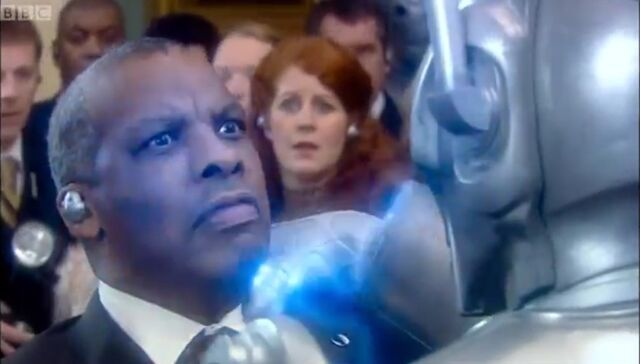 File:President Of Great Britain (Rise of the Cybermen) Death.jpg