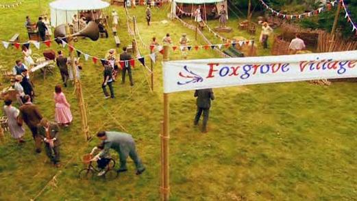File:FoxgroveVillageFete-1951-08-18.jpg