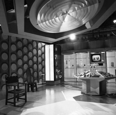 File:Hartnell-tardis-interior.jpg