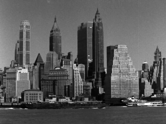 File:ManhattanLower-ViewedFromEastRiver.jpg