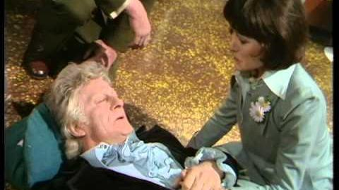 Third Doctor regenerates - Jon Pertwee to Tom Baker - BBC