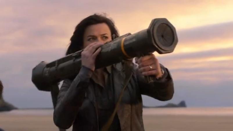 Gwen Holding a Bazooka