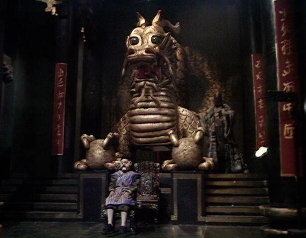 File:Dragon statue.jpg