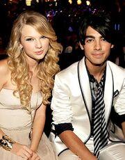 Taylor-Swift-Joe-Jonas