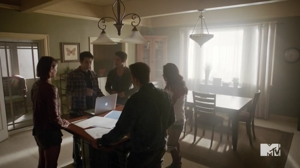Teen Wolf Season 5 Episode 15 Amplification Pack meeting