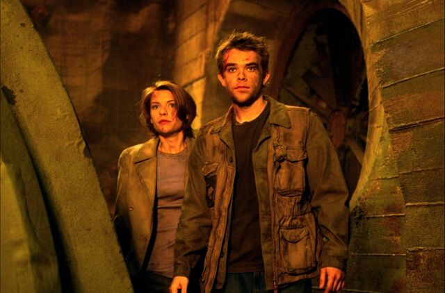 File:Katherine Brewster and John Connor.jpg