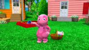 The Backyardigans Flower Power 2 Uniqua