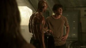 The-100-Season-3-Episode-1-Bellamy & Lincoln