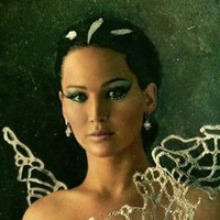 File:Mainpage-Katniss.png