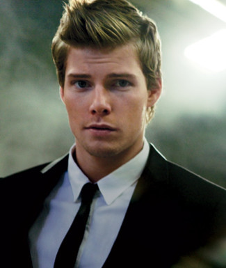 File:Hunter-Parrish-Boy-Wonder articleimage.jpg