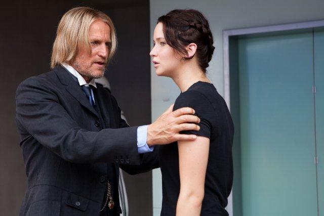 File:Haymitch & Katniss before arena.jpg