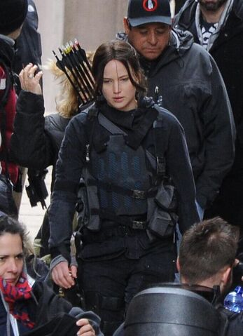 File:JLaw on set 5.jpeg