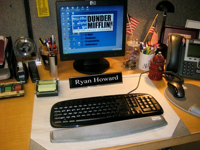 File:Ryan'sDesk.jpg