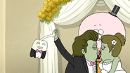 S7E08.173 Muscle Man Hi-Fiving HFG During the Kiss