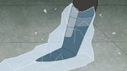S8E16.199 Bounty Hunter's Foot is Frozen