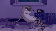 S6E08.003 Rigby Sees His Stomach Growling