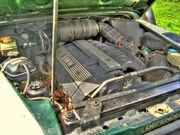 Land Rover Defender 2.8i engine