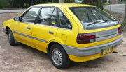 1987-1990 Ford Laser (KE) GL 5-door hatchback 09