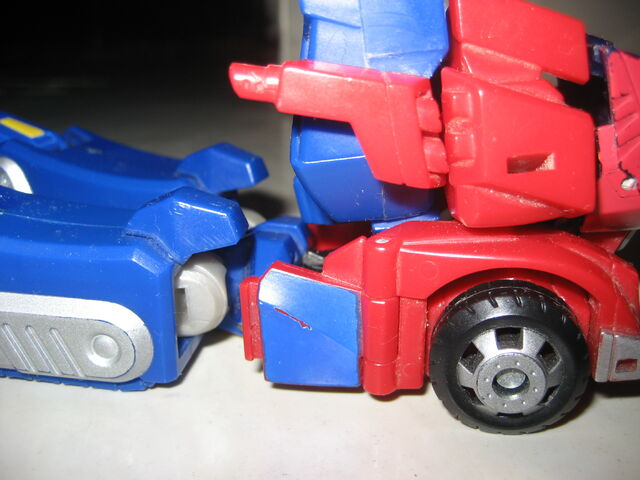 File:Optimus Prime Animated 2012 003.JPG