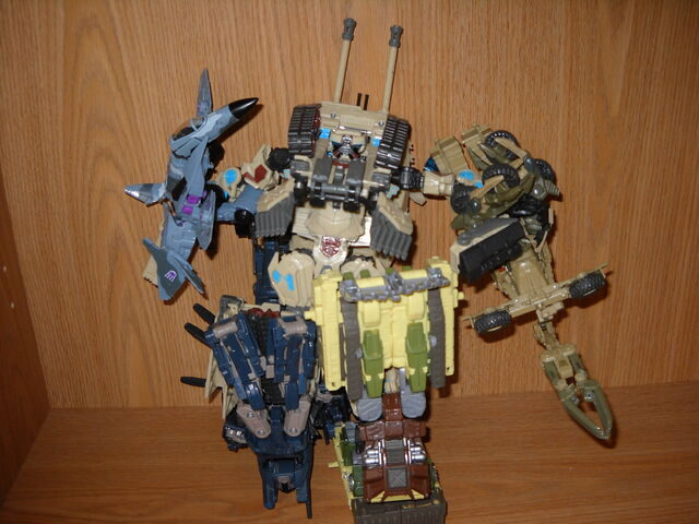 File:My custom bruticus.JPG