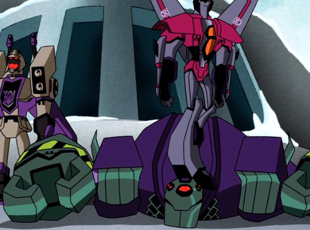 File:Megatron Rising Starscream on Lugnut.JPG