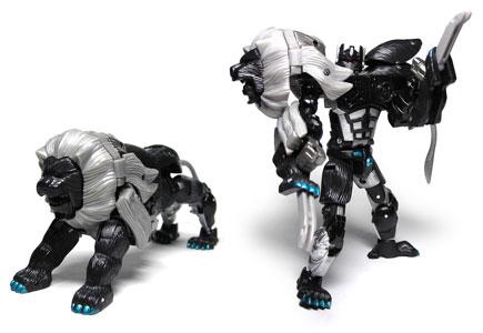 File:RMLioConvoyBlack toy.jpg