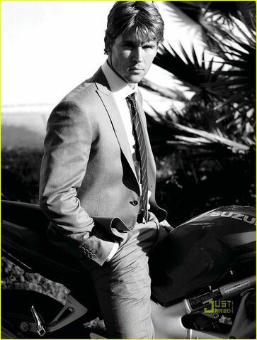 File:Ryan-kwanten-august-man-magazine-march-2010-05.jpg