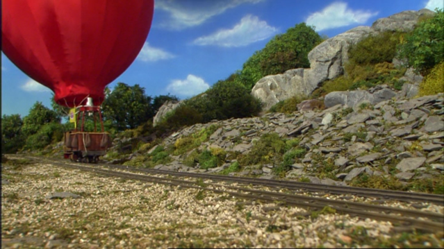 File:DuncanAndTheHotAirBalloon21.png