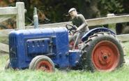 Farmer'sTractorDraytonManor