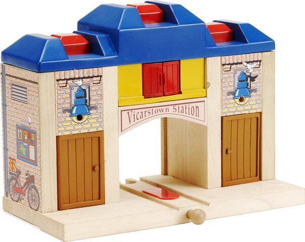 File:WoodenRailwayVicarstown.jpg