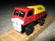 WoodenRailwayLorry2