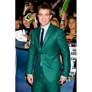Robert-Pattinson-Breaking-Dawn-part-2-premiere