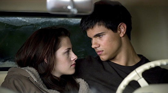 File:New Moon Bella Jacob-thumb-550x306-20838.jpg