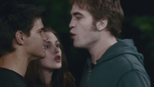 File:-Eclipse-Clip-Edward-Threatens-Jacob-HQ-edward-and-bella-12403523-1920-1080.jpg