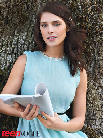 File:Ashley-greene TeenVogue.jpg