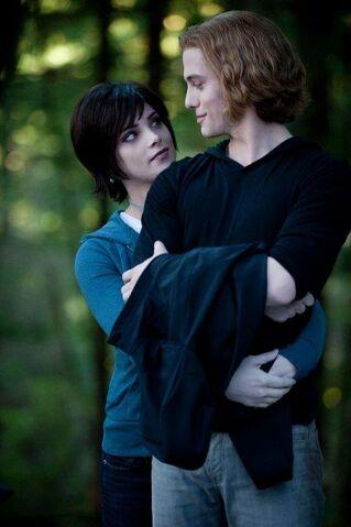 File:Cullen Couple2.jpg