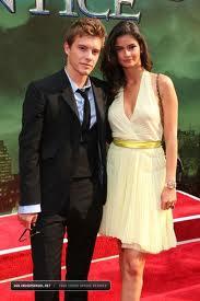 File:Xavier-with-girlfriend-09u7.jpg