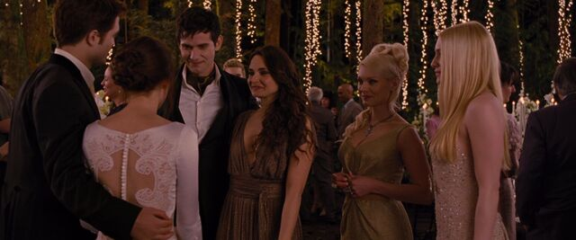 File:BreakingDawnPt1-0726.jpg