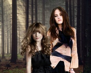 File:Bella-and-Nessie-renesmee-carlie-cullen-4666722-300-239.jpg