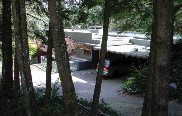 File:Cullen house westvan.jpg